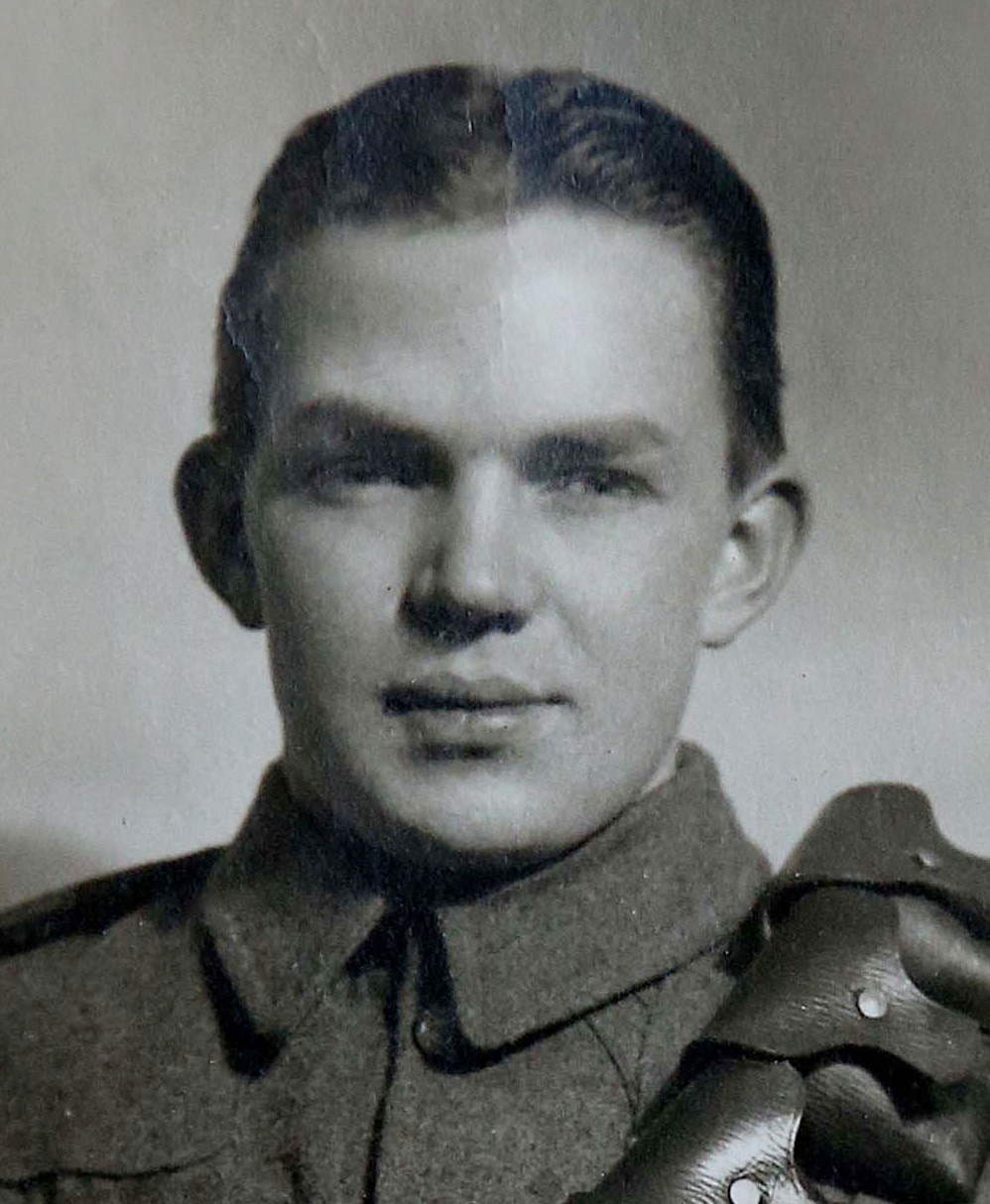 Diary of Gunner George James: Over the top and into battle - 3110880