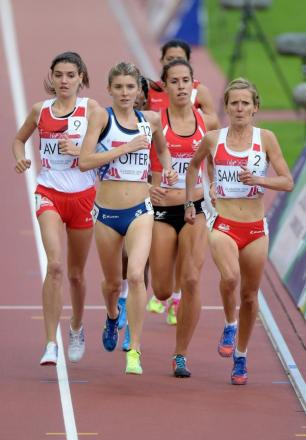 GREAT RUN: County Durham's Kate Avery (left) finished fourth in the final of the 10,000m at the Commonwealth Games