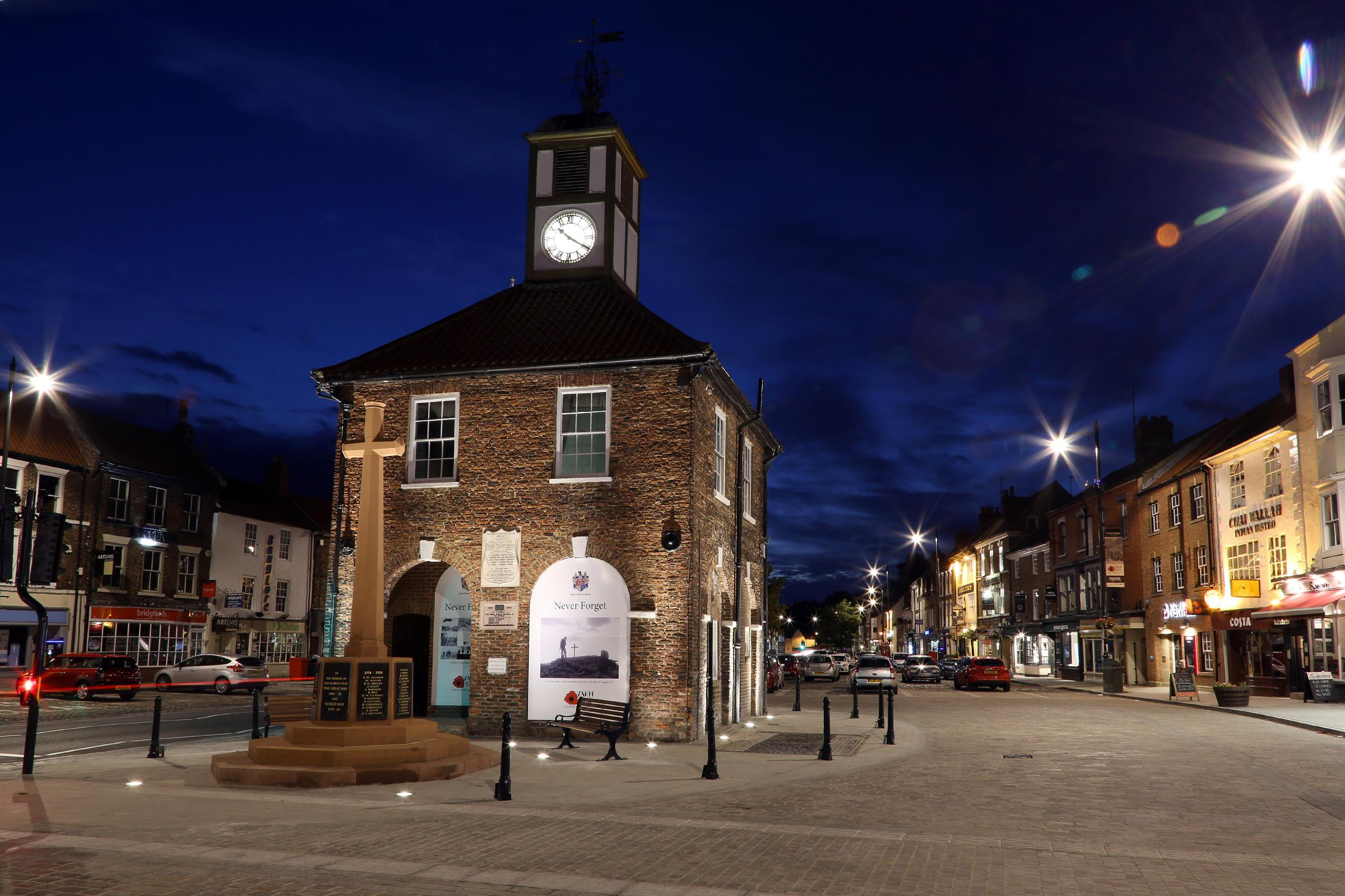 Taken:  Monday the 28th July 2014  Yarm War Memorial and Town Hall at night.          Byline: Dave Charnley Photography Ltd  Website Link: www.davecharnleyphotography.com   All Rights Reserved 2014  Mobile: 07753559 Office: 01642 586269  Email: info@davec