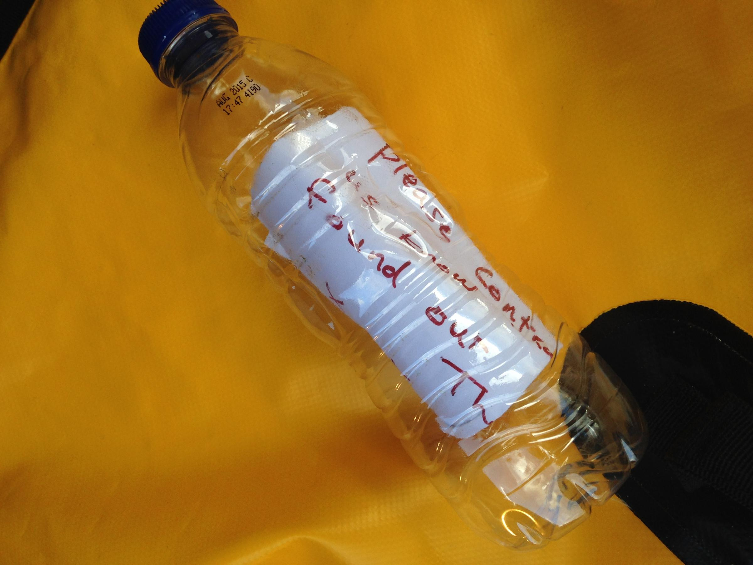 Swimmer finds youngsters' message in a bottle