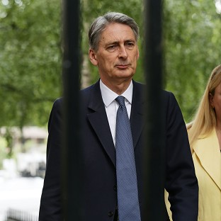 Foreign Secretary Philip Hammond says Nato must show it has the political will to fight if Russia attacks a member of the alliance