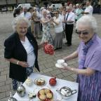 The Northern Echo: HAPPY DAYS: GOLD members Audrey Lax, left, and Jean Thurkettle prepare for a tea dance in 2012