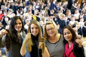 Crook teachers donate hair to cancer support charity
