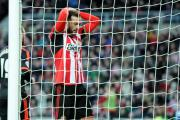 STALEMATE: Sunderland's Steven Fletcher rues a missed opportunity as the FA Cup game with Fulham ends in a 0-0 draw. Picture: NORTH NEWS