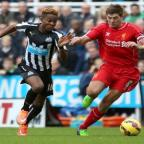 The Northern Echo: HAMSTRUNG: Newcastle United's Rolando Aarons tussles with Liverpool's Steven Gerrard		Picture: CHRIS BOOTH