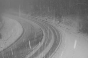Heavy snow causes problems for motorists