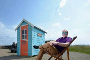 Electro pop star launches beach hut audio project
