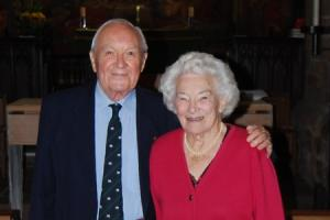 Tributes paid to Lancaster bomber pilot and former council chief executive
