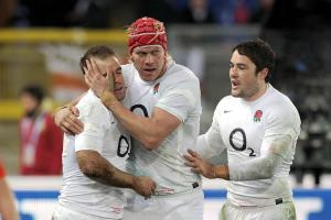 Falcons sign England international second rower