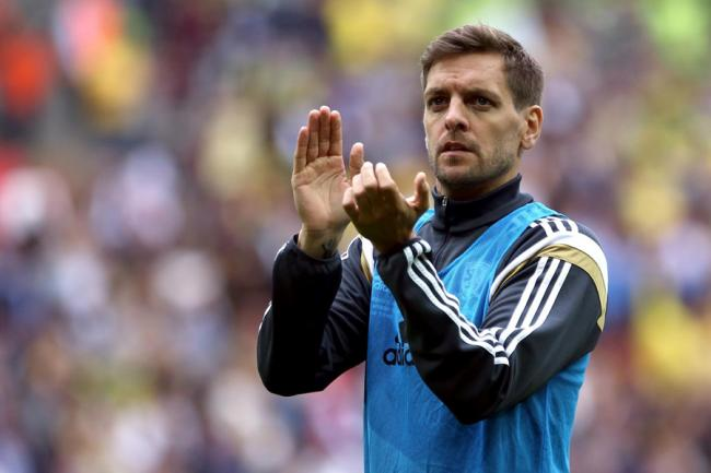 Woodgate on bring of Boro job as Keane, Percovich, Round and Rosenior consider roles