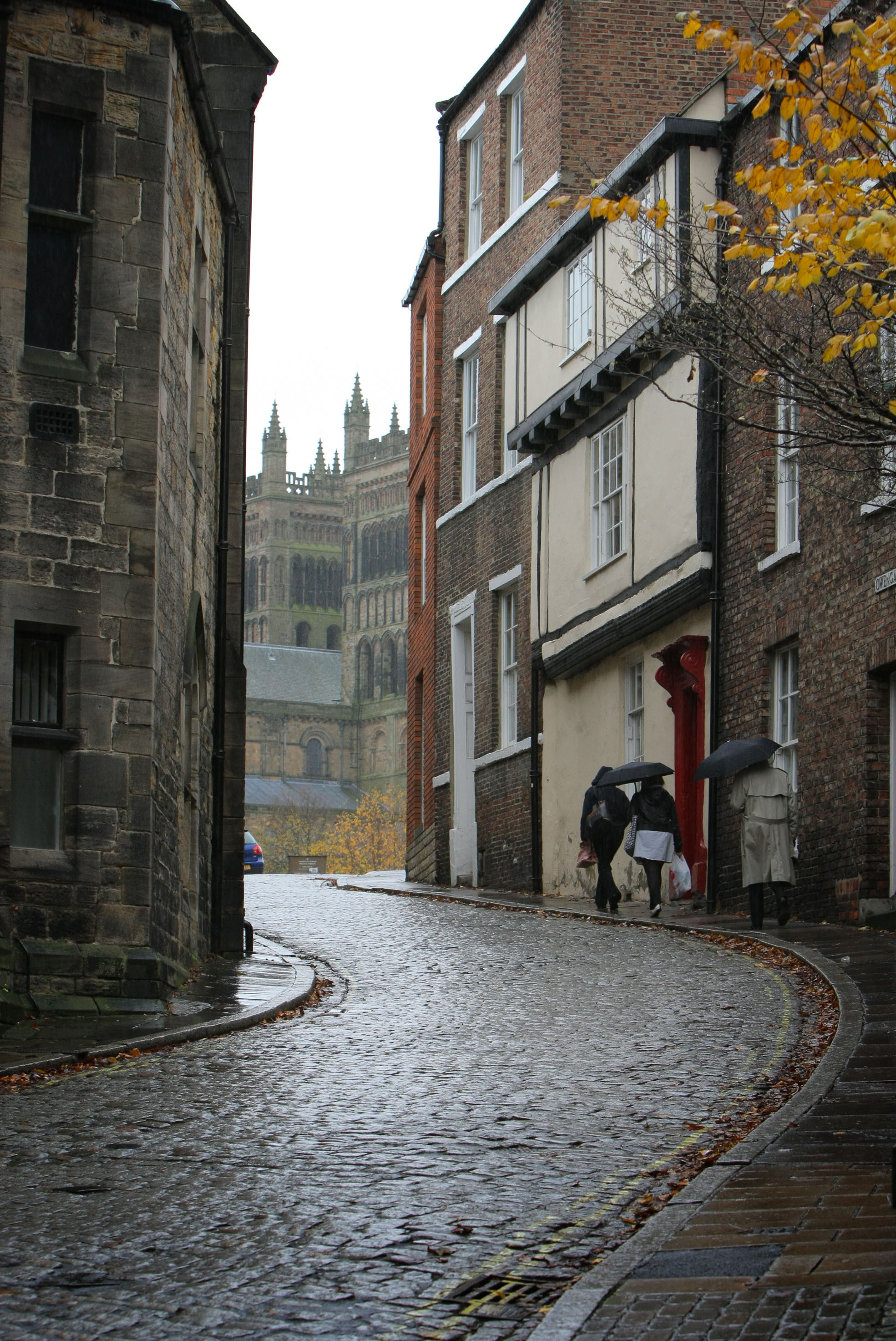 Historic Durham City Road Visited By 1 000s Of Tourists Each Year To