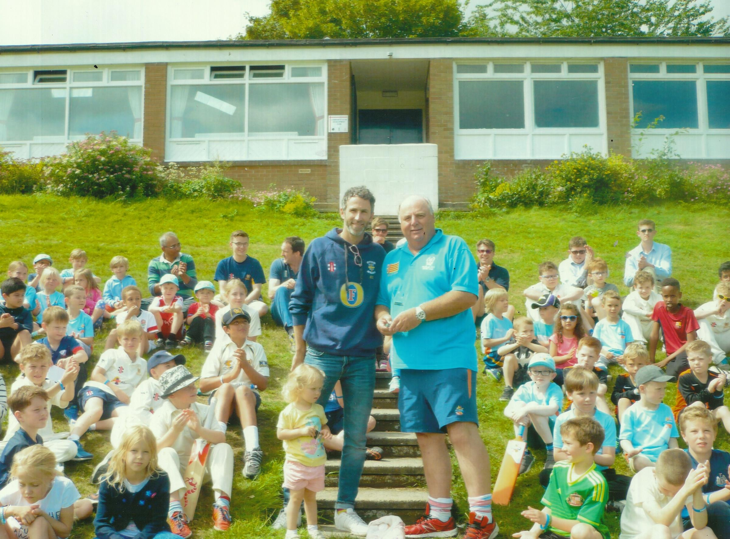 England Star Graham Onions Passes On Tips To Young Hopefuls At