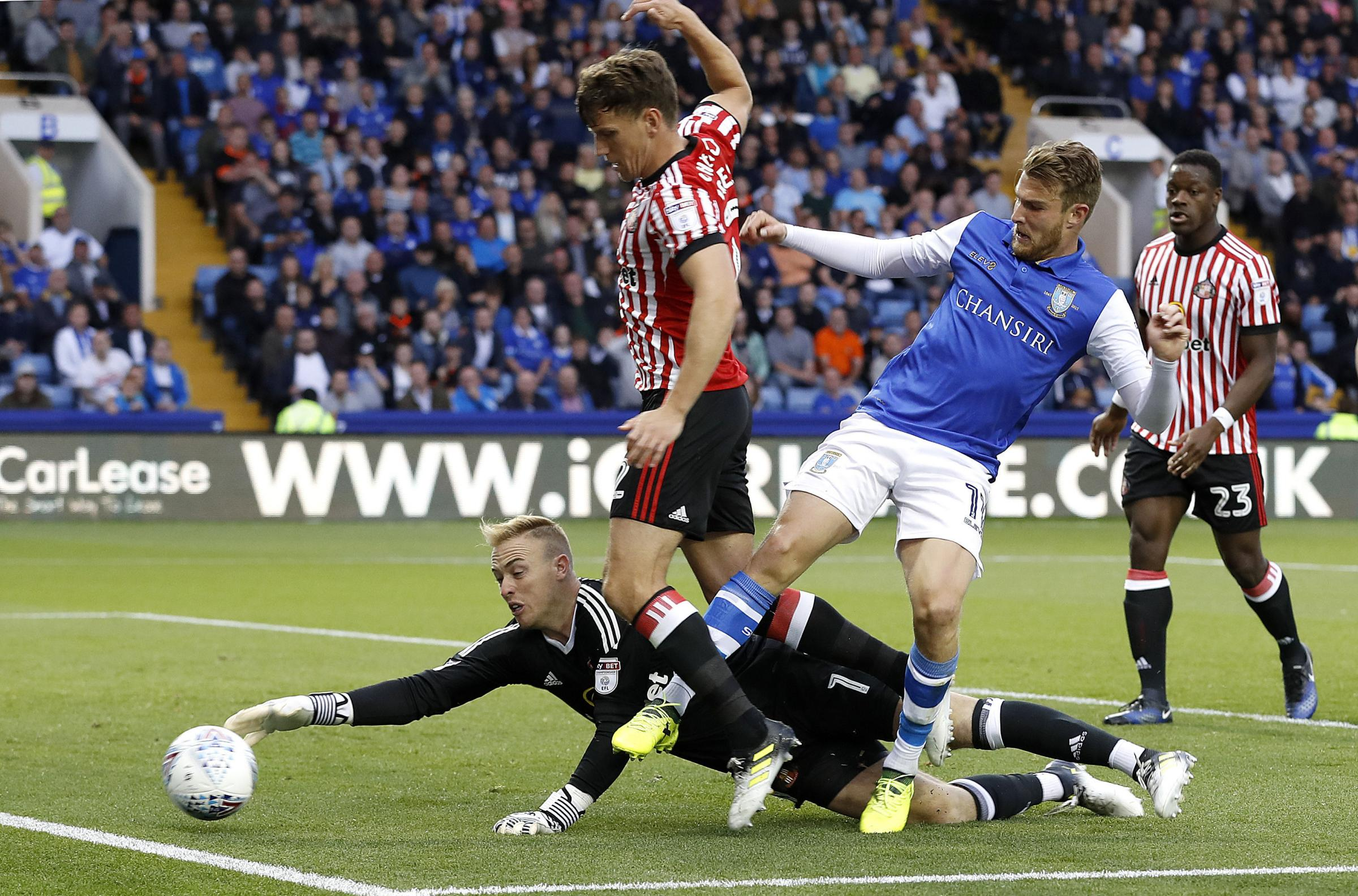 SUPPORT: Sunderland goalkeeper Jason Steele, pictured in action at Hillsborough, Sheffield, made plenty of saves on Saturday.