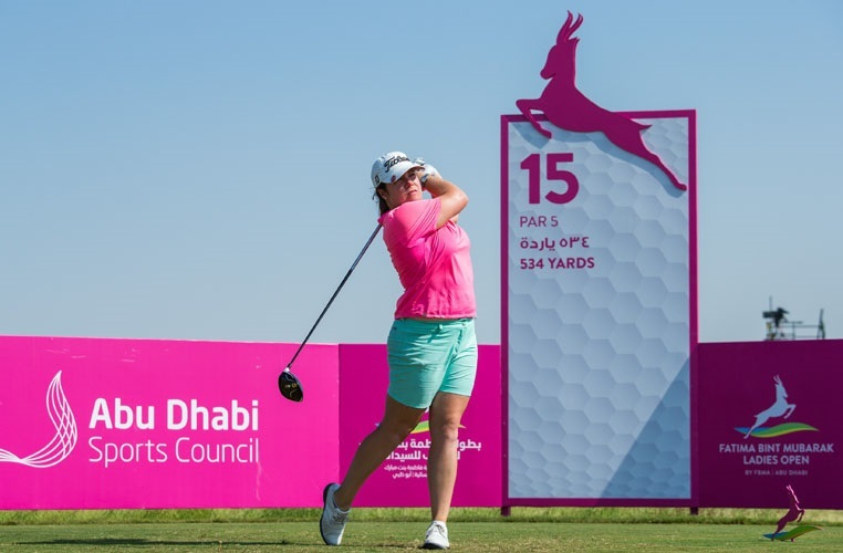 HELPING HAND: Ellie Givens in action. Picture: Courtesy of Ladies European Tour photographer Tristan Jones