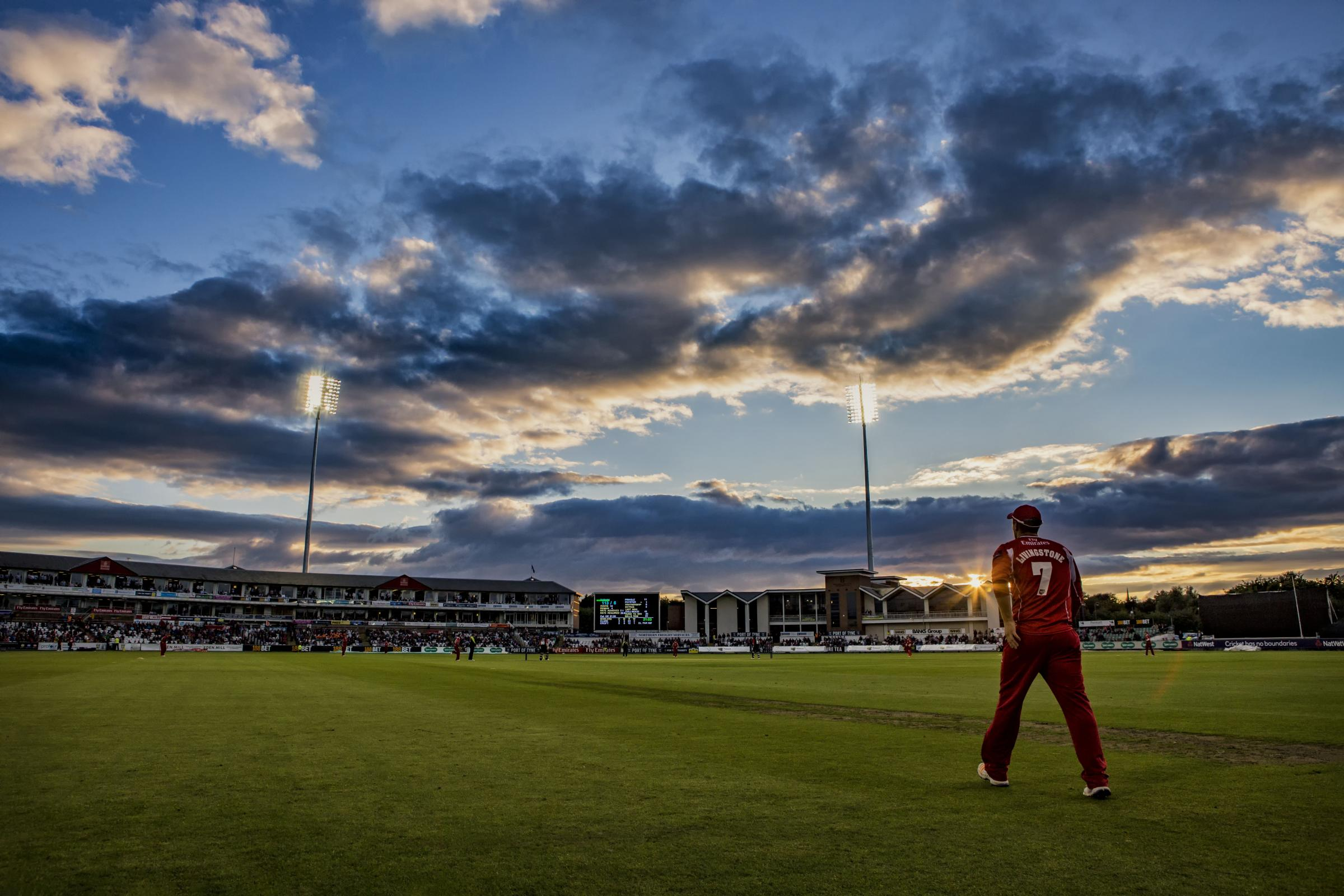 A crowd of 5115 watched the Durham Jets vs Lancashire Lightning match