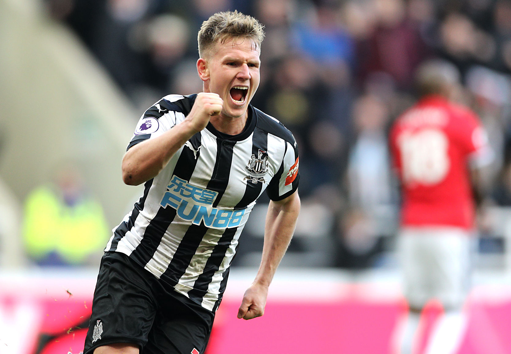GOAL-DEN MOMENT: Matt Ritchie celebrates his match-winning goal in Newcastle United's 1-0 victory over Manchester United (Picture: Owen Humphreys/PA Wire)
