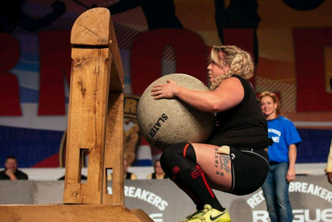 World's strongest woman wins the Arnold Pro Strongwoman