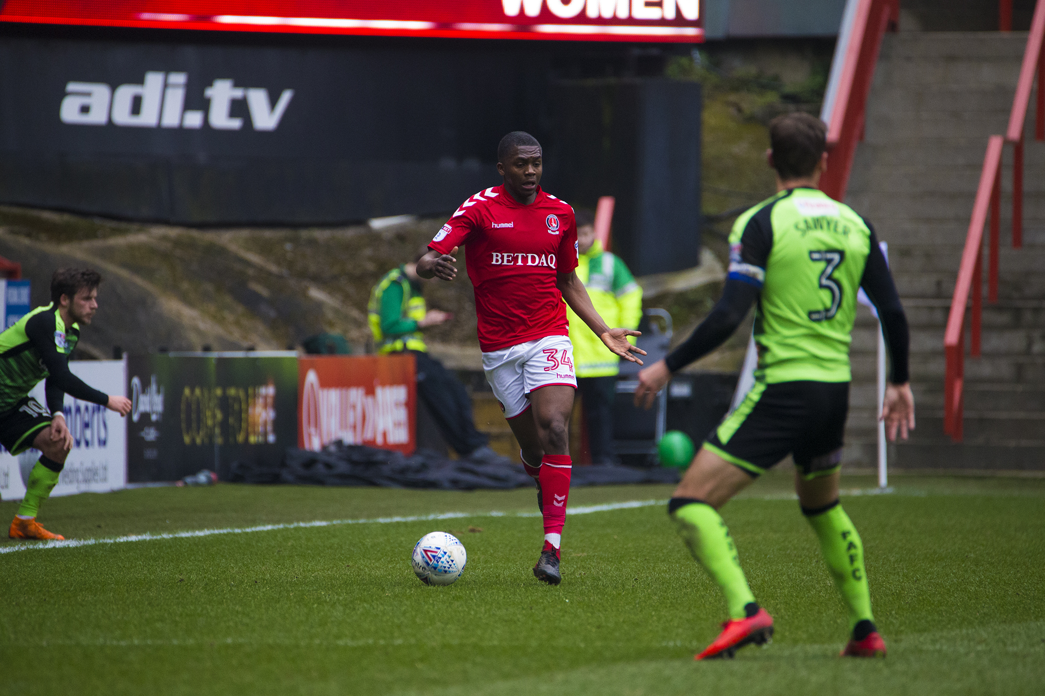 Charlton to offer full-back a new deal to fend off reported interest from Middlesbrough