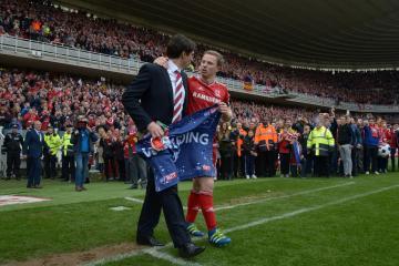 Football stars pay tribute to legend midfielder Grant Leadbitter