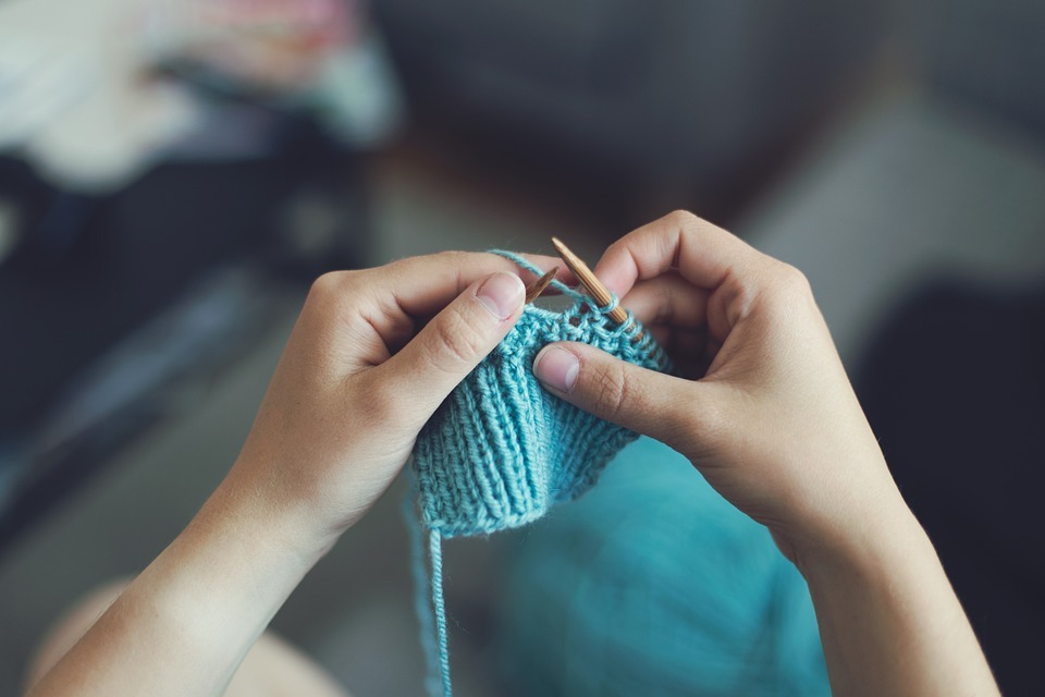 Knitting. Picture via Pixabay.
