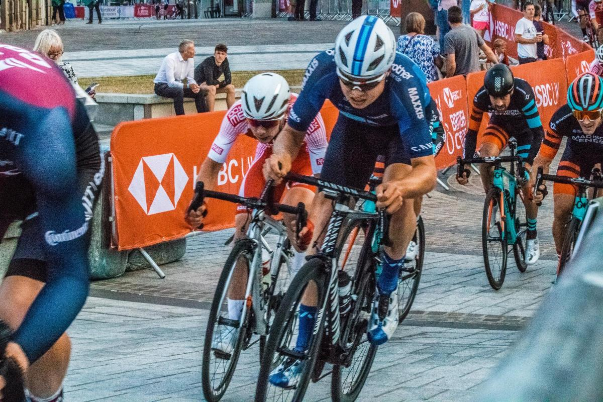 Henderson and Gibson victorious at HSBC UK National Circuit