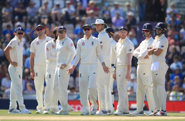 England's Joe Root and his team-mates complain about a decision during day four of the fourth test at the AGEAS Bowl, Southampton. PRESS ASSOCIATION Photo. Picture date: Sunday September 2, 2018. See PA story CRICKET England. Photo credit should read: