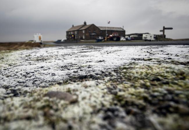 England Christmas Snow.Storm Deirdre To Hit Christmas Shoppers With Heavy Snow