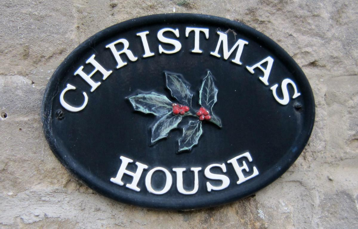 A Christmas Mystery.Christmas House Is A Christmas Mystery Can Anyone Shed Any