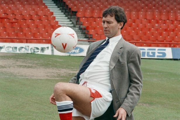 Boro hero Robson returning to Teesside - but won't be wearing suit jacket and football shorts