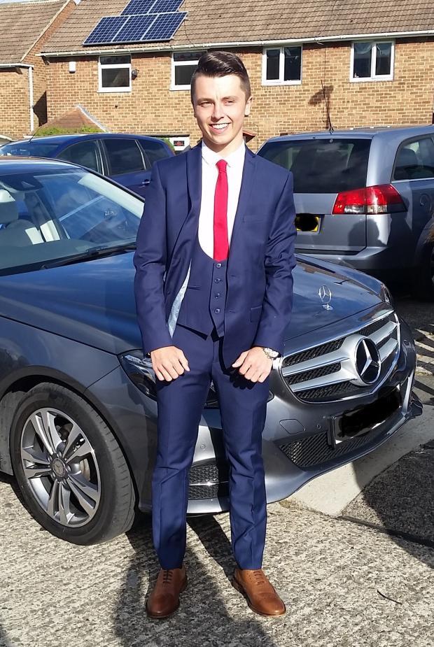 Muerte de Connor Brown: la estrella del Liverpool otorga £ 2,500 para apelar después de la muerte del boxeador Sunderland