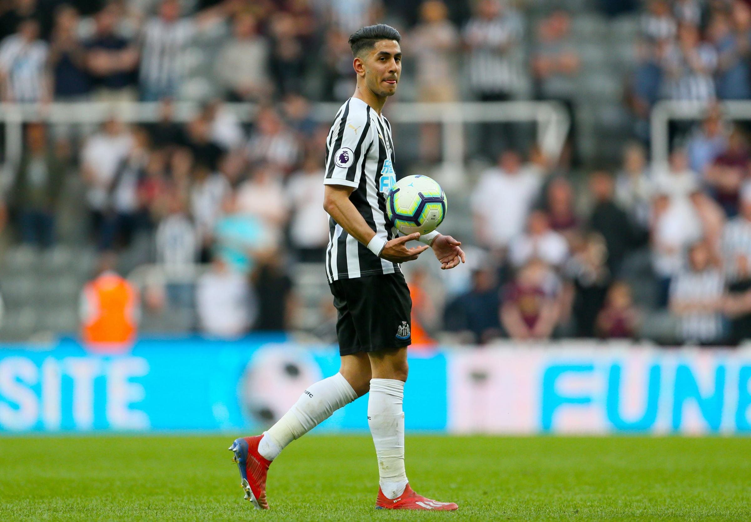 Newcastle United's Ayoze Perez celebrates after the final whistle of the Premier League match at St James' Park, Newcastle. PRESS ASSOCIATION Photo. Picture date: Saturday April 20, 2019. See PA story SOCCER Newcastle. Photo credit should read: Ri