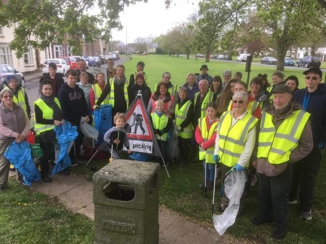 Hambleton Wombles and NAVCAV members unite for a litter pick in Romanby