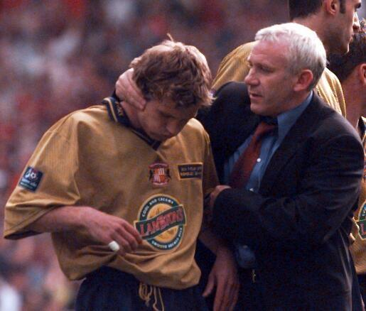 Peter Reid consoles Michael Gray in the wake of Sunderland's 1998 play-off final defeat to Charlton Athletic