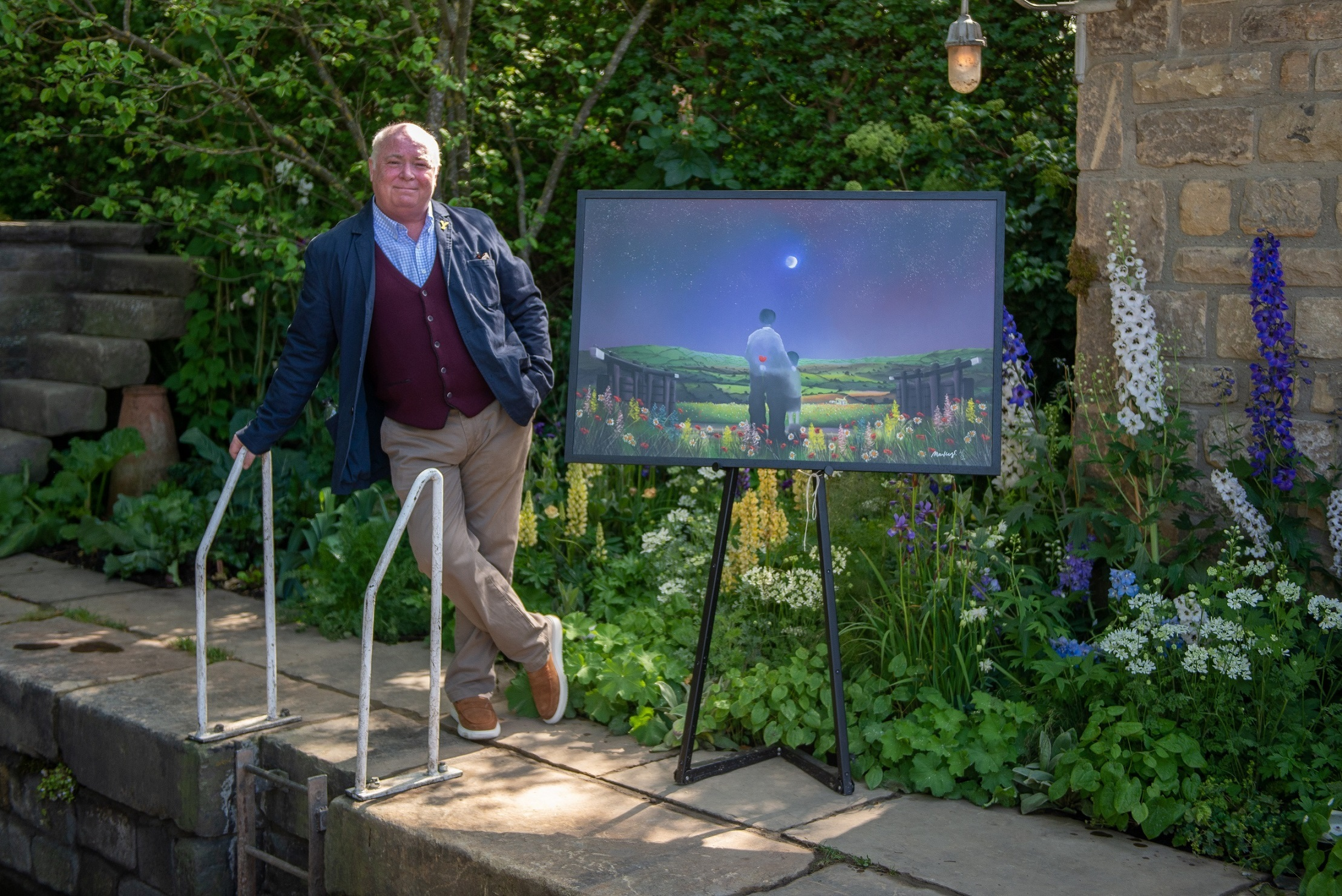 Mackenzie Thorpe unveils official Welcome to Yorkshire Chelsea garden artwork